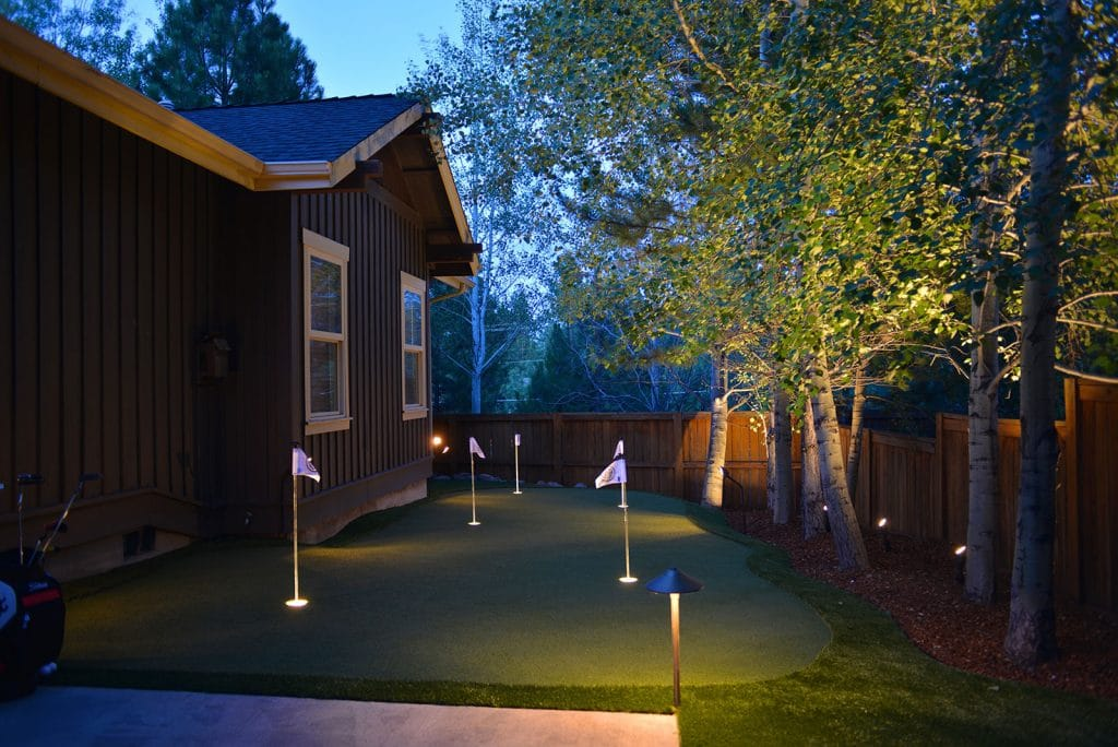 Vacation Rental Putting Green Alpha Turf Nw